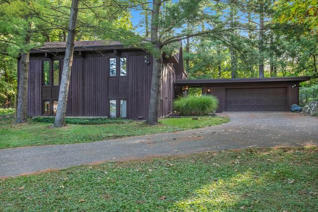 7324 Pine Brook Drive, Augusta, MI 49012 (MLS #20039051) :: Ginger Baxter Group