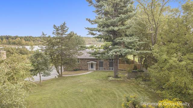 72 Indian Lakes Road NE, Sparta, MI 49345 (MLS #20039072) :: Ginger Baxter Group