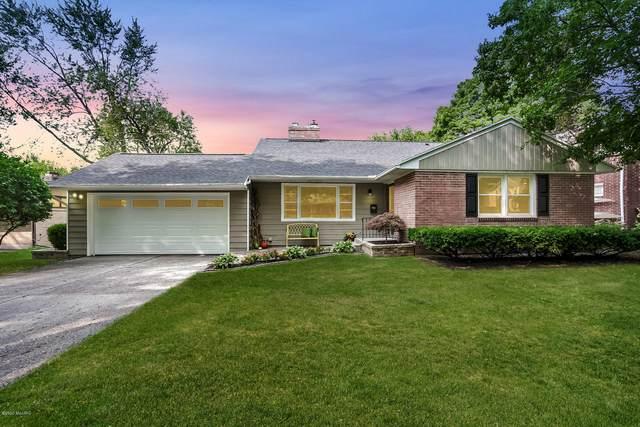 1645 Cambridge Drive SE, Grand Rapids, MI 49506 (MLS #20039153) :: CENTURY 21 C. Howard