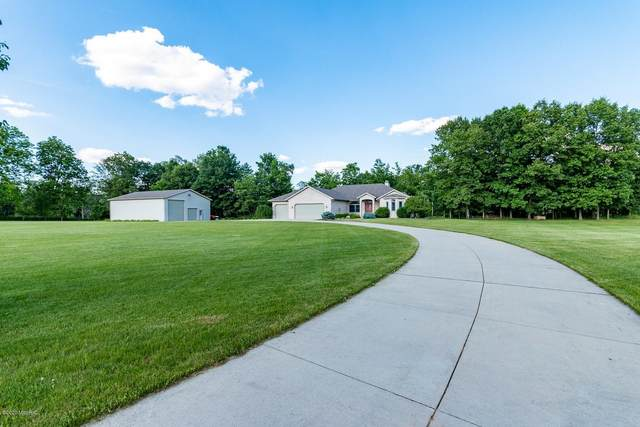 70689 Adamsville Rd Road, Edwardsburg, MI 49112 (MLS #20039161) :: Ron Ekema Team