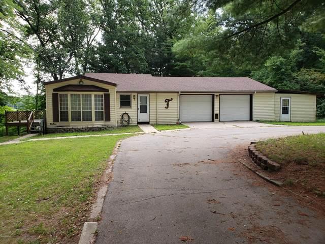 2943 W Long Lake Road, Orleans, MI 48865 (MLS #20039162) :: Ginger Baxter Group