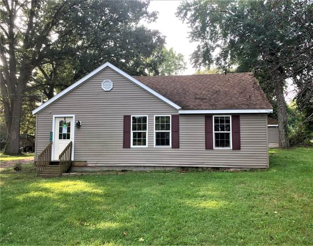 3296 W 4th Street, Buchanan, MI 49107 (MLS #20039205) :: Deb Stevenson Group - Greenridge Realty