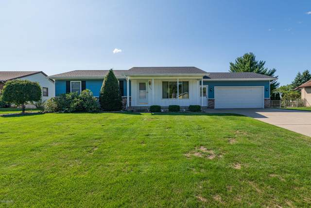 7504 Sunview Drive SE, Grand Rapids, MI 49548 (MLS #20039305) :: Ron Ekema Team