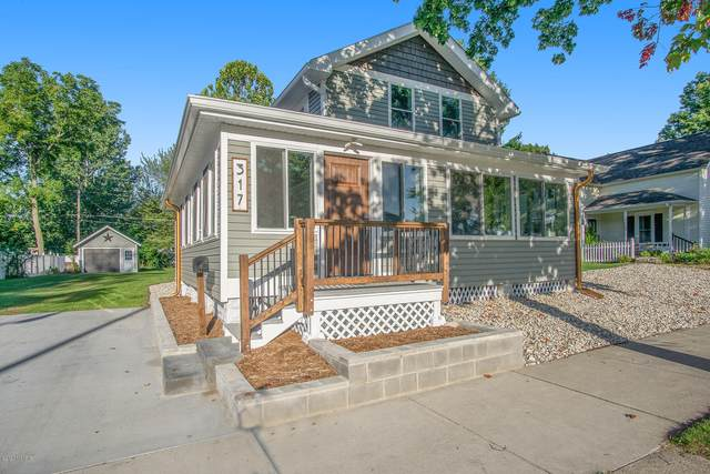 317 N Robert Street, Ludington, MI 49431 (MLS #20039314) :: Ron Ekema Team