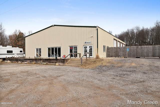 11331 14 Mile Road NE, Rockford, MI 49341 (MLS #20039338) :: Ginger Baxter Group