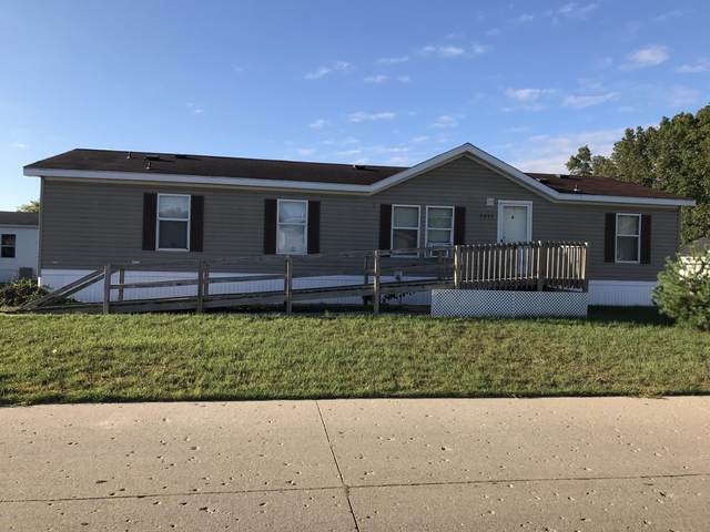 4035 Whisperwood Way S, Muskegon, MI 49442 (MLS #20039340) :: Keller Williams RiverTown