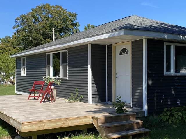 129 Oak Street, Freeport, MI 49325 (MLS #20039468) :: CENTURY 21 C. Howard
