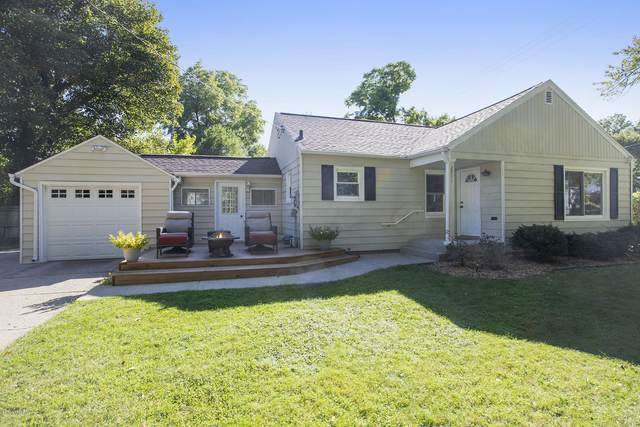 2711 Duke Street, Kalamazoo, MI 49008 (MLS #20039590) :: Ron Ekema Team