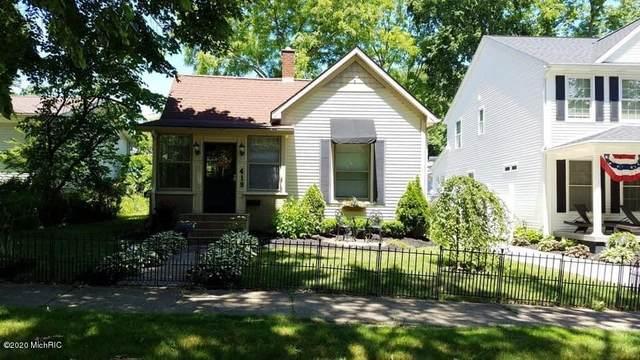 419 Van Buren Street, South Haven, MI 49090 (MLS #20039665) :: Ron Ekema Team