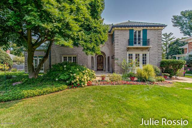 634 Plymouth Road SE, East Grand Rapids, MI 49506 (MLS #20039695) :: JH Realty Partners