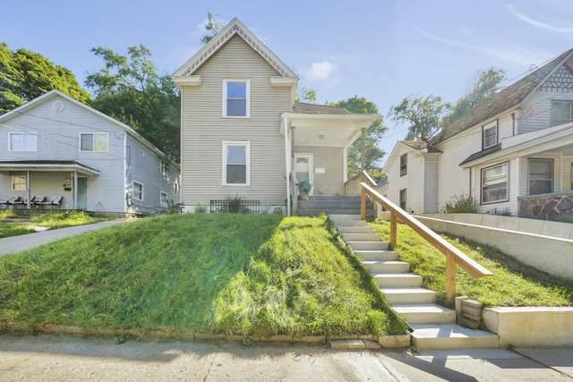 1106 Dunham Street SE, Grand Rapids, MI 49506 (MLS #20039726) :: JH Realty Partners