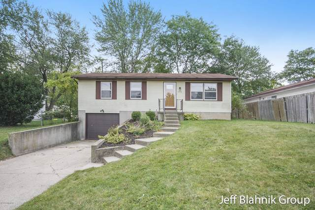 4456 West Grand Boulevard NW, Grand Rapids, MI 49534 (MLS #20039766) :: Ron Ekema Team