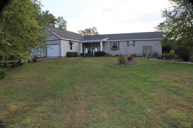 5685 Ridge Pine Court NE, Cedar Springs, MI 49319 (MLS #20039793) :: JH Realty Partners