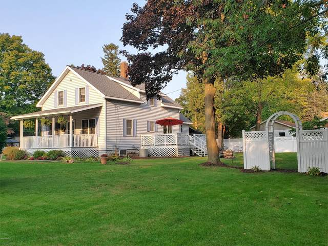 925 Francis Street, South Haven, MI 49090 (MLS #20039821) :: JH Realty Partners