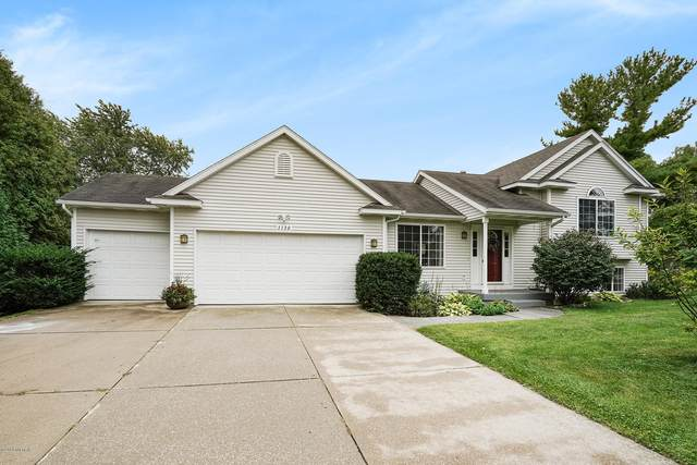 1130 4 Mile Road NW, Grand Rapids, MI 49544 (MLS #20039848) :: Ron Ekema Team