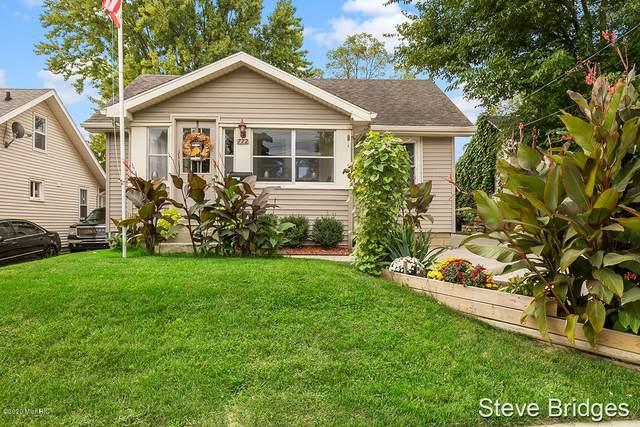 772 26th Street SW, Wyoming, MI 49509 (MLS #20039871) :: Ginger Baxter Group