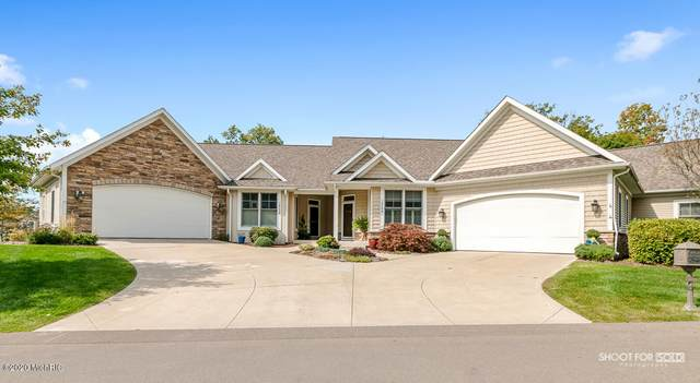16240 Woodvale Boulevard #32, Spring Lake, MI 49456 (MLS #20039908) :: Deb Stevenson Group - Greenridge Realty