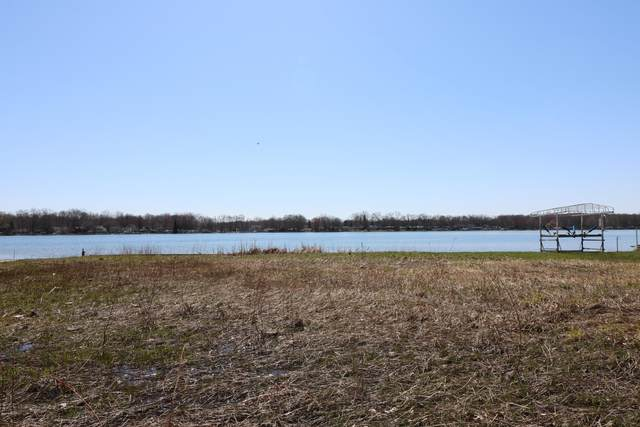 63395 N Lakeshore Drive, Dowagiac, MI 49047 (MLS #20039981) :: Deb Stevenson Group - Greenridge Realty