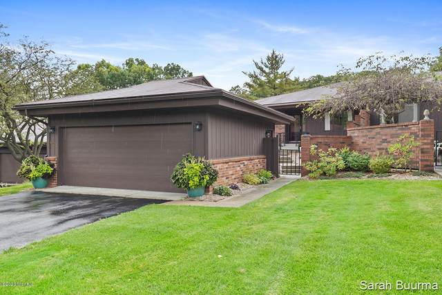 6204 Tahoe Drive SE, Grand Rapids, MI 49546 (MLS #20040012) :: JH Realty Partners