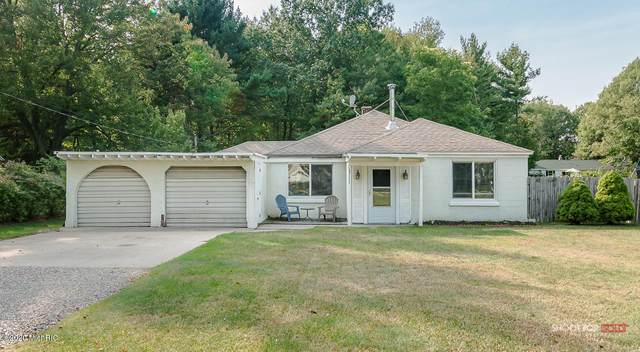 15111 Lakeshore Drive, Grand Haven, MI 49417 (MLS #20040081) :: Ginger Baxter Group