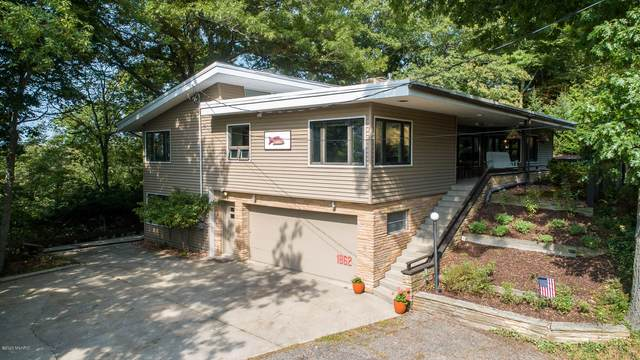 1862 Far Hills Court, Grand Haven, MI 49417 (MLS #20040084) :: Deb Stevenson Group - Greenridge Realty