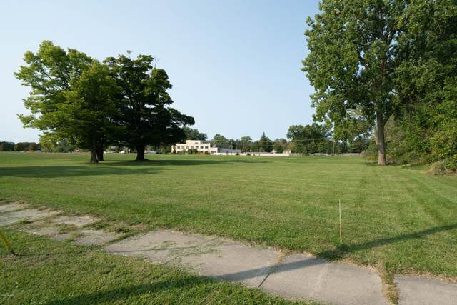 822 Indiana Avenue, South Haven, MI 49090 (MLS #20040088) :: Ginger Baxter Group