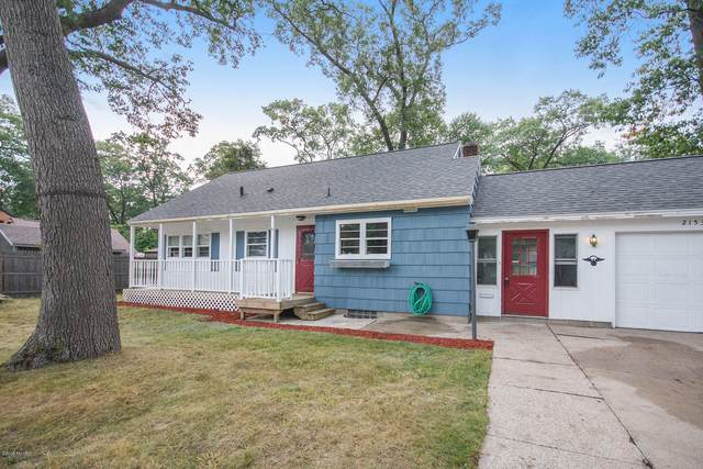 2153 W Norton Avenue, Norton Shores, MI 49441 (MLS #20040111) :: JH Realty Partners