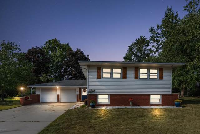 1404 W Water Street, New Buffalo, MI 49117 (MLS #20040176) :: Ginger Baxter Group