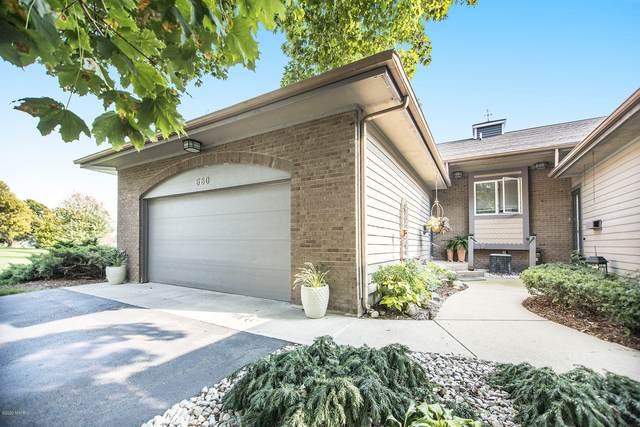 660 Edgewater Drive, Spring Lake, MI 49456 (MLS #20040194) :: JH Realty Partners