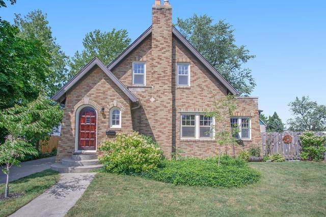215 W Main Avenue, Zeeland, MI 49464 (MLS #20040288) :: JH Realty Partners