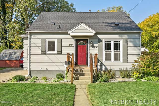 1313 Houseman Avenue NE, Grand Rapids, MI 49505 (MLS #20040381) :: JH Realty Partners
