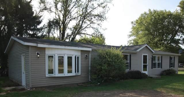 6860 E Napier Avenue, Benton Harbor, MI 49022 (MLS #20040481) :: Keller Williams RiverTown