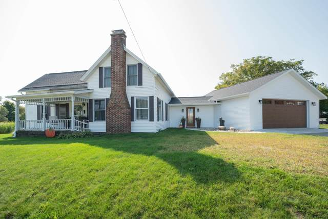 742 E Main Street, Fennville, MI 49408 (MLS #20040586) :: Jennifer Lane-Alwan