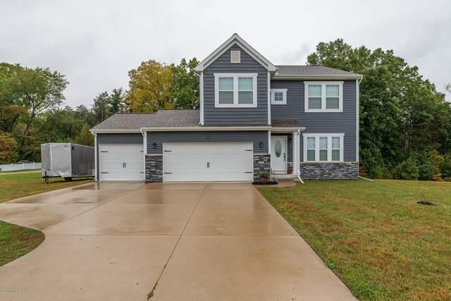 593 Oak Meadow Drive, Middleville, MI 49333 (MLS #20040665) :: Ginger Baxter Group