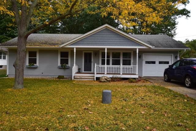 50 Morris Street, Pentwater, MI 49449 (MLS #20040699) :: Deb Stevenson Group - Greenridge Realty
