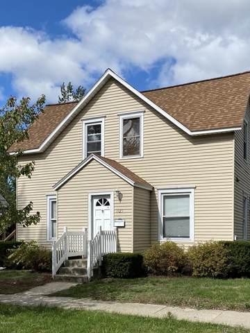 1125 Fulton Avenue, Grand Haven, MI 49417 (MLS #20040770) :: Deb Stevenson Group - Greenridge Realty