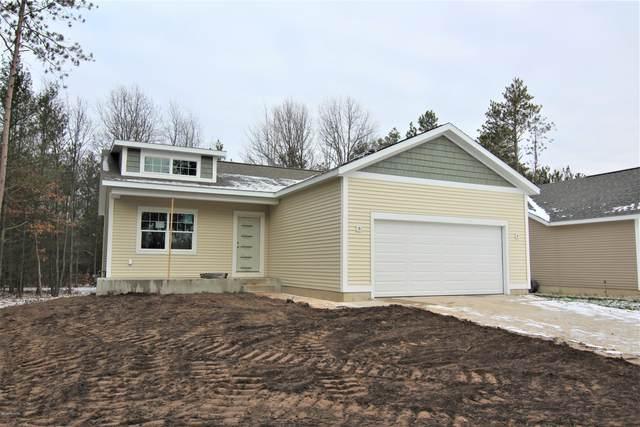 6047 Turtle Ridge, Muskegon, MI 49444 (MLS #20040988) :: Ginger Baxter Group