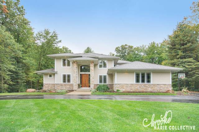 8600 Laurel Ridge SE, Alto, MI 49302 (MLS #20041108) :: Ginger Baxter Group