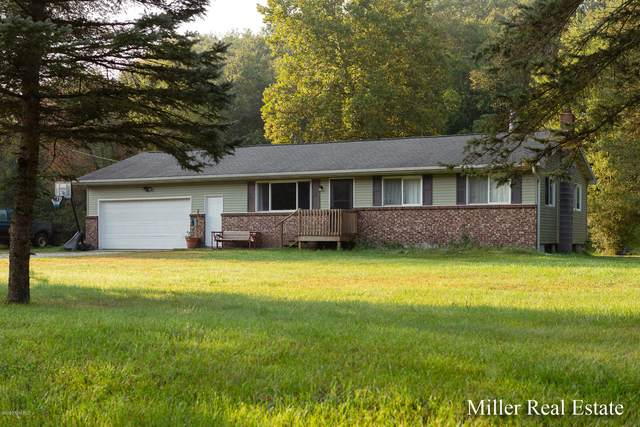 5506 W Irving Road, Hastings, MI 49058 (MLS #20041206) :: Ginger Baxter Group