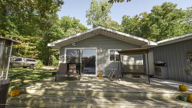 8961 Park Avenue, Holton, MI 49425 (MLS #20042020) :: Keller Williams RiverTown