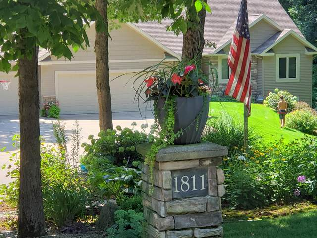 1811 Starr View Lane, Middleville, MI 49333 (MLS #20042118) :: Jennifer Lane-Alwan