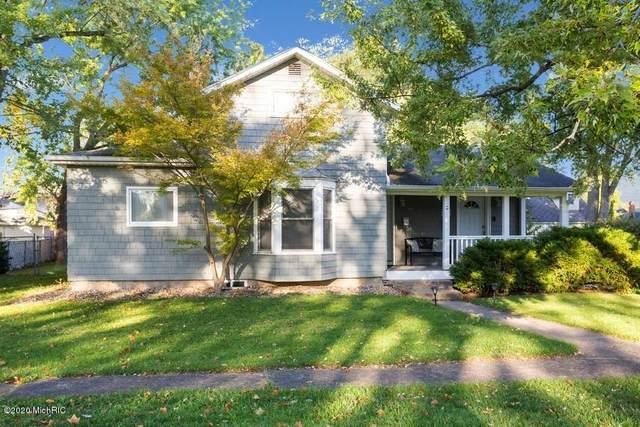 206 Oak Street, Three Oaks, MI 49128 (MLS #20042489) :: Jennifer Lane-Alwan