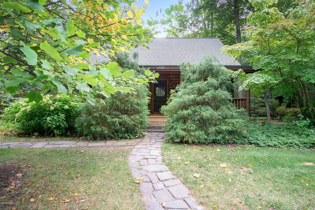 6520 Goshorn Way Drive, Saugatuck, MI 49453 (MLS #20042715) :: Keller Williams RiverTown