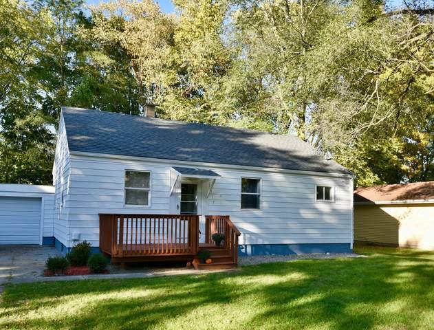 1317 Parkway Drive, Benton Harbor, MI 49022 (MLS #20042751) :: JH Realty Partners