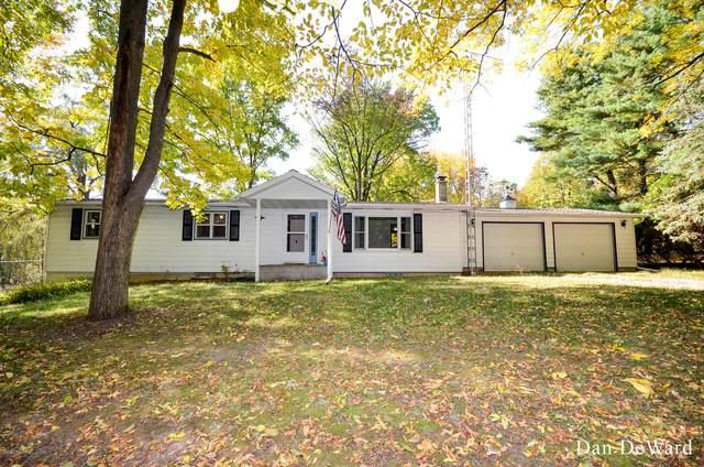 15133 Pine Lake Avenue NE, Cedar Springs, MI 49319 (MLS #20042782) :: Keller Williams RiverTown