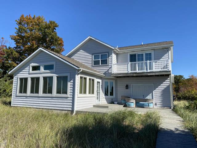 10529 Lakeshore Drive, West Olive, MI 49460 (MLS #20042816) :: JH Realty Partners