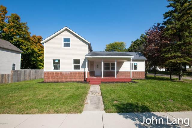 523 E 3rd Street, Lawton, MI 49065 (MLS #20043181) :: Keller Williams Realty | Kalamazoo Market Center