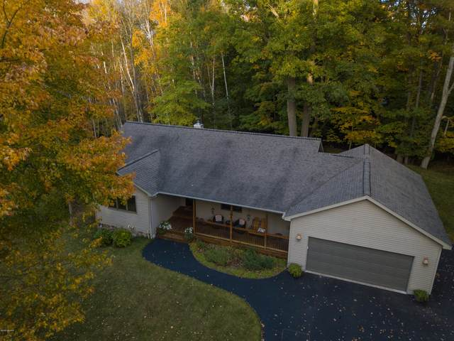 5768 W River View Dr Drive, Ludington, MI 49431 (MLS #20043223) :: Deb Stevenson Group - Greenridge Realty