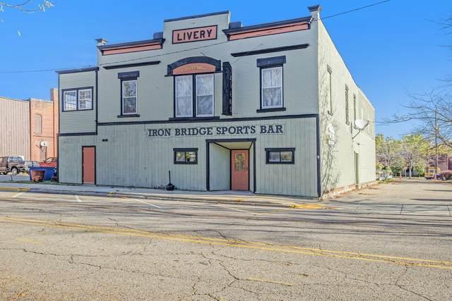 118 Brady Street, Allegan, MI 49010 (MLS #20043297) :: Deb Stevenson Group - Greenridge Realty