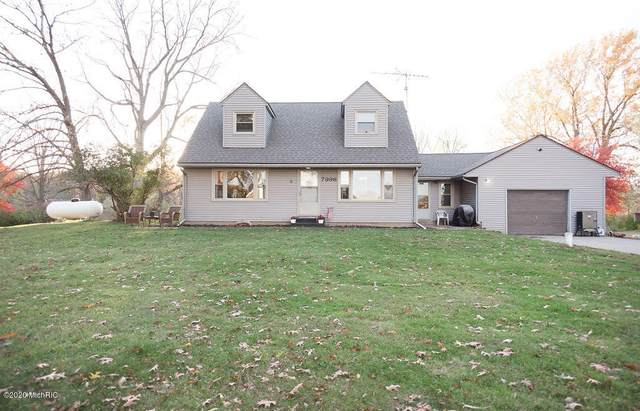 7996 S 28th Street, Scotts, MI 49088 (MLS #20043450) :: Keller Williams RiverTown